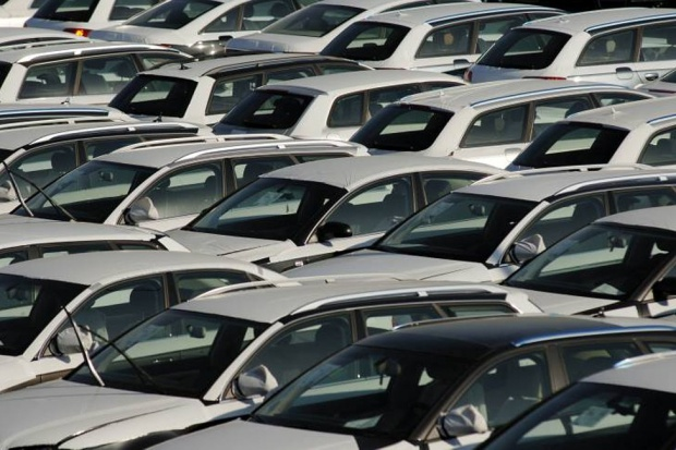 Sprzedaż nowych aut w Polsce -  lepiej niż przed rokiem