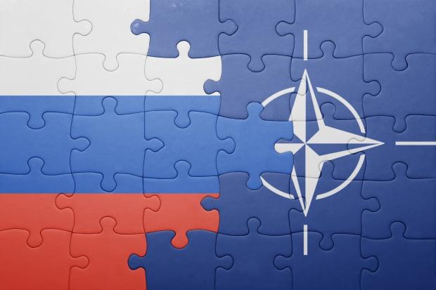 Raport: konfrontacja Rosji z NATO wśród największych zagrożeń 2017 roku