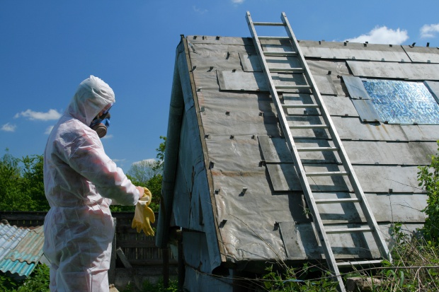 PIP: liczne nieprawidłowości przy usuwaniu azbestu