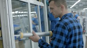 900 nowych miejsc pracy. Zobacz, kogo szuka jeden z największych producentów okien w Polsce