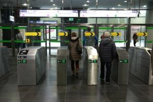 Warszawa. Ewakuacja stacji metra przez porzucony plecak
