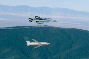 Siły Powietrzne otrzymały pierwsze pociski JASSM