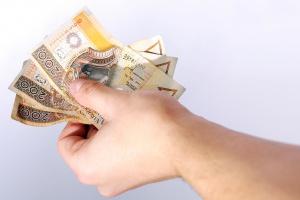 Sprawdź, ilu Polaków pozytywnie ocenia swoją sytuację finansową