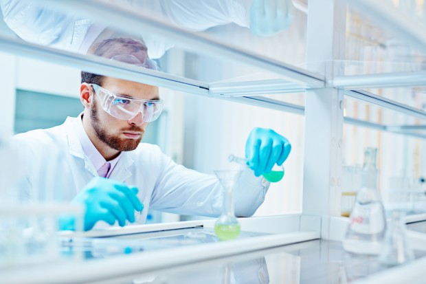 W Krakowie otwarto zmodernizowane Laboratorium Badań Chemicznych