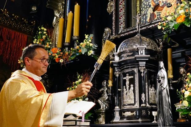 Św. Barbara, dar zarządu PGG, już w australijskiej katedrze