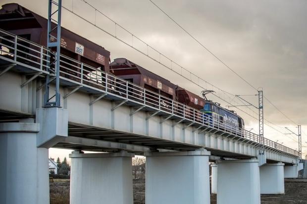 ZUE najbliższe kolejowego kontraktu za prawie 214 mln zł