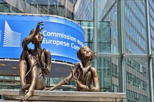 Komisja Europejska zachwala plan powiązania funduszy UE z praworządnością