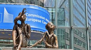 Komisja Europejska o decyzji Izby Gmin: oczekujemy  informacji o dalszych krokach