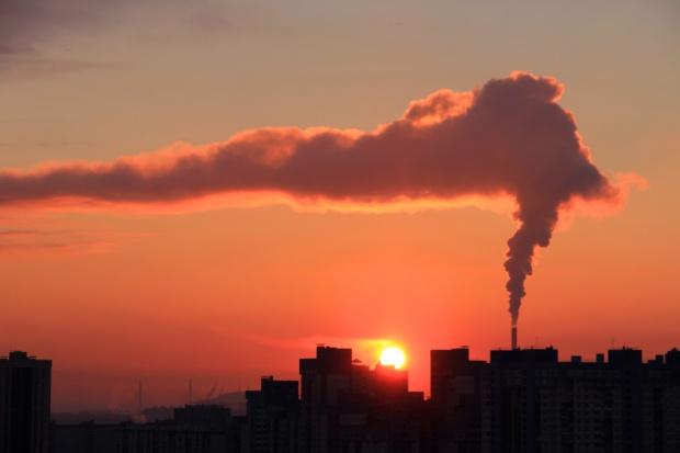 Na Śląsku w sobotę w powietrzu nadal smog, choć mniejszy