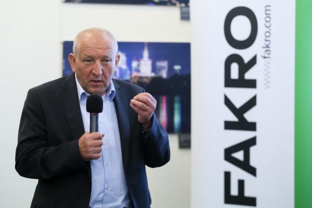 Fakro apeluje do KE o zajęcie się sporem z Veluxem; PiS: problem jest systemowy