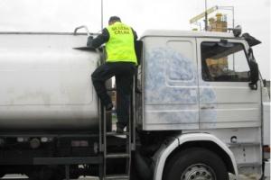Nielegalne paliwo zatrzymane na drodze