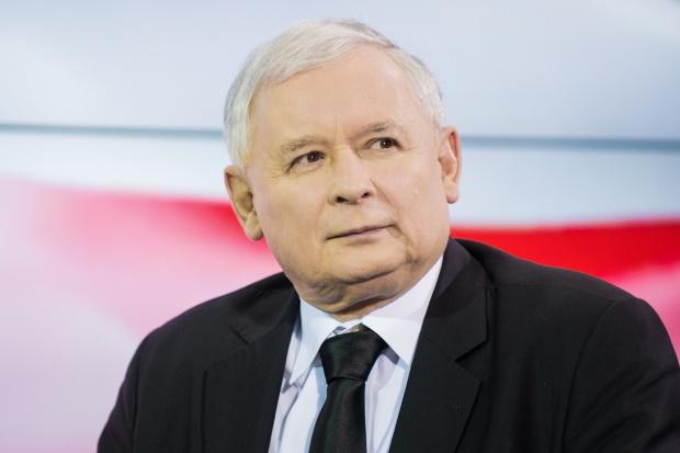Kaczyński, Morawiecki i szefowie dużych spółek na konferencji u ojca Rydzyka
