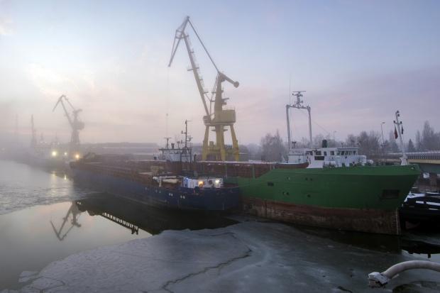 Stocznia Szczecińska wybuduje wybuduje prom pasażersko-towarowy dla PŻB