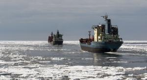 Rosja chce zachęcić armatorów do pływania przez Arktykę
