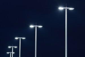 GE sprzeda biznes oświetleniowy?