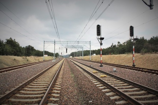 PKP PLK mają oferty na linię Otwock - Lublin. Są warte od 2,6 do 3,4 mld zł