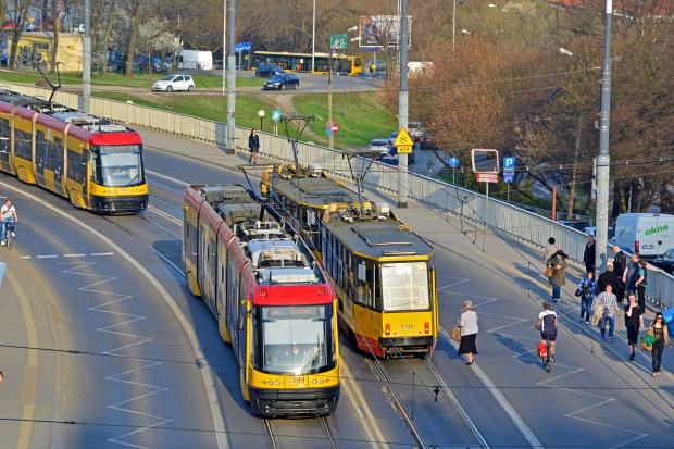 Hyundai Rotem kusi milionowymi inwestycjami w Polsce