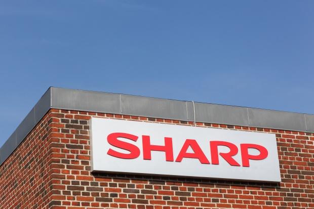 Lepsze prognozy dla Sharpa, który wraca na europejski rynek