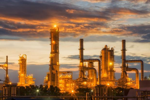 Iran światowym centrum budowy rafinerii?