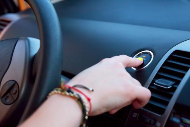 Nowe technologie napędzają firmy motoryzacyjne w Polsce