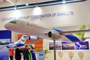 Chińczycy rzucili wyzwanie Boeingowi. Ten samolot już lata