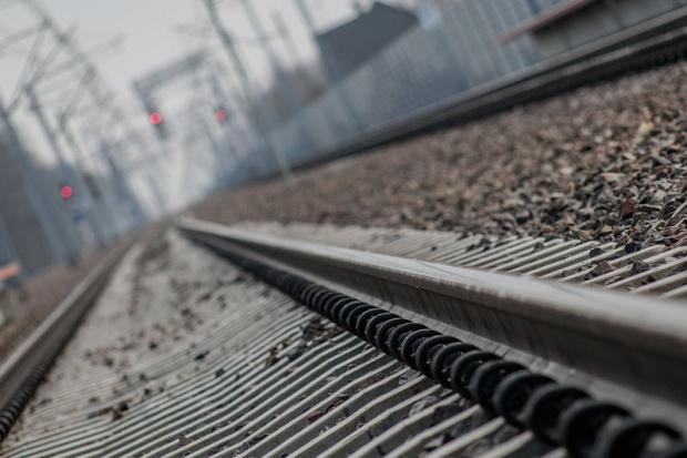 Resort rozwoju oczekuje zwiększenia tempa realizacji inwestycji kolejowych