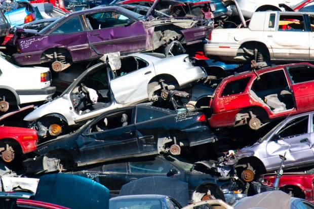 W Polsce w recyklingu samochodów rządzi szara strefa
