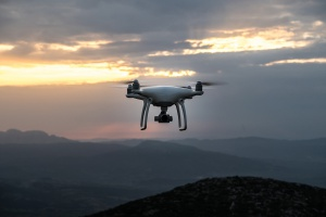 Drony i nawigacja nowej generacji wśród wyzwań dla lotnictwa cywilnego