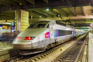 Chaos na kolei. 4 tys. pasażerów nocowało na dworcach