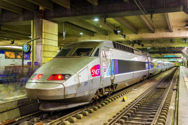 Wielki strajk na kolei we Francji. AFP: to wyzwanie dla Macrona