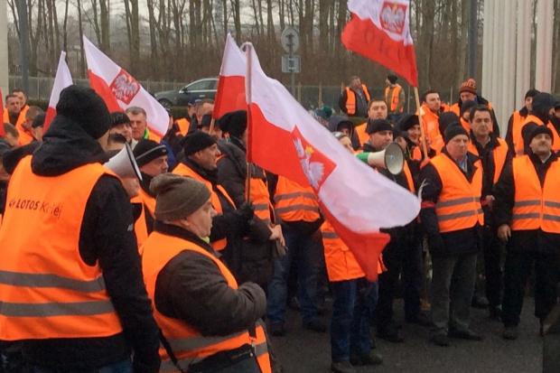 Kolejny protest pracowników Lotos Kolej w Gdańsku
