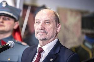 Szef MON: w poniedziałek przetarg na śmigłowce dla polskiej armii