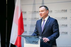 Prezydent Duda: obecnie nie może być dyskusji o zniesieniu sankcji wobec Rosji