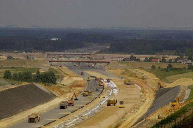 Opóźnienie inwestycji drogowych i kolejowych może mieć też pozytywy