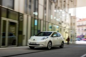Dwieście elektrycznych Nissanów dla Wrocławia