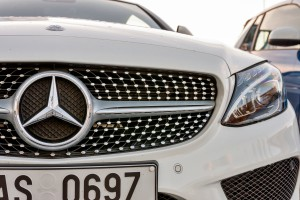 Producent Mercedesa stracił dużo pieniędzy na kontrowersyjnych silnikach