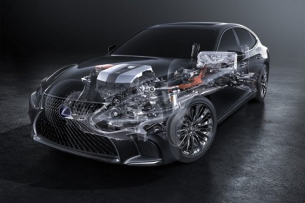 Debiutancki Lexus od podszewki