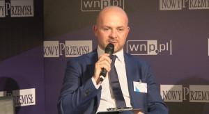 """Są najwięksi w Polsce, rozwijają się, inwestują, ale mają problem. """"Od ręki zatrudniłbym kilkadziesiąt osób"""""""