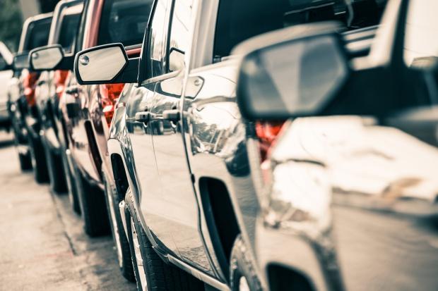Spadek sprzedaży nowych samochodów w USA