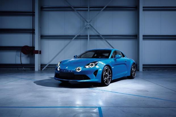 Renault oficjalnie pokazuje produkcyjną wersję Alpine
