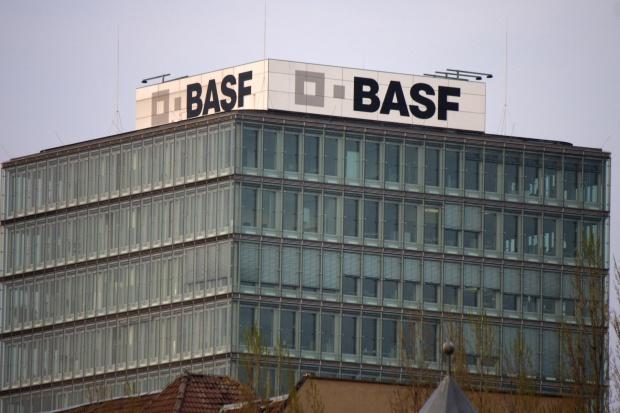 Miliardowa transakcja na niemieckim rynku chemicznym