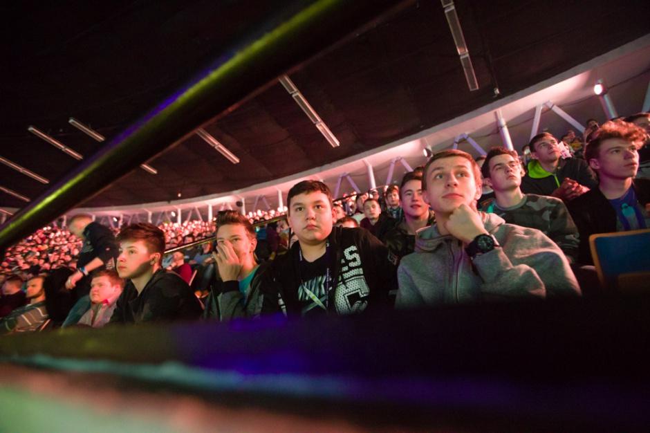 Zdjęcie numer 5 - galeria: Kolejne finały IEM Katowice 2017; przed Spodkiem tłumy
