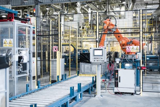 W Synthosie pomagają roboty