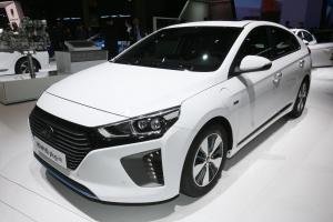 Hyundai Ioniq plug-in Fot. Newspress.jpg