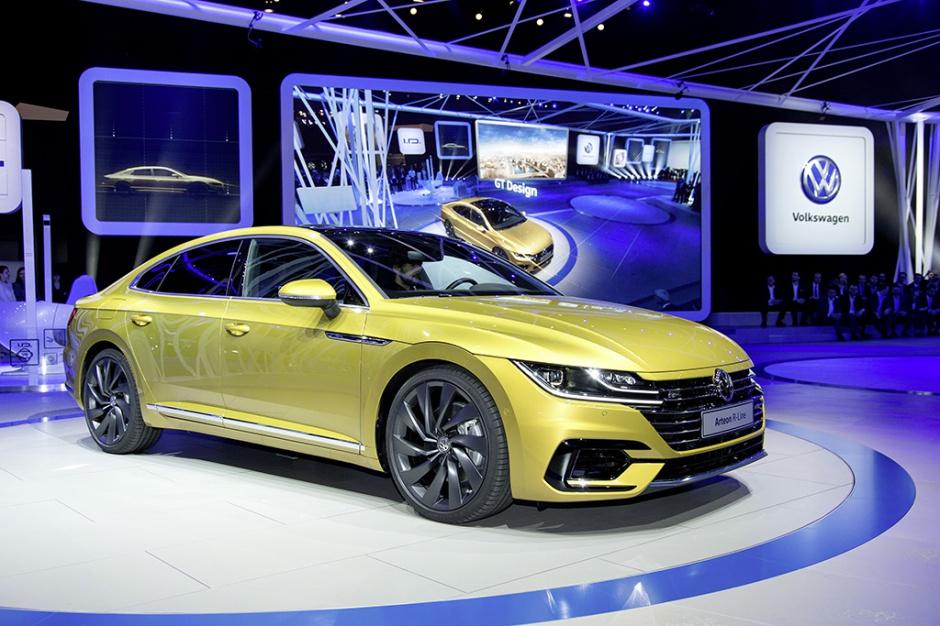 Zdjęcie numer 2 - galeria: Salon samochodowy w Genewie w obiektywie