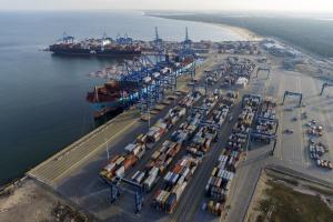 Wielomilionowe inwestycje w rozbudowę terminalu kontenerowego DCT Gdańsk