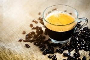 Filiżanka kawy coraz droższa przez zmiany klimatyczne i giełdę Forex