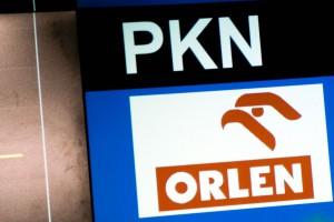 Akcje Orlenu i Lotosu tracą po informacji o wsparciu premiera dla fuzji