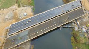 Polska w budowie. 1300 km dróg w realizacji i 700 km w przetargach