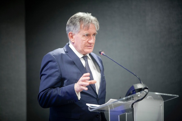 Piotr Woźniak, prezes PGNiG: wzrośnie import LNG